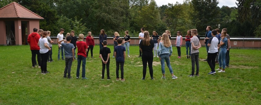 Schülerzeitung AG - Seminarfahrt Schülerrat_Villa Jühling Halle-Dölau [6.9.-8.9.2017] (8)