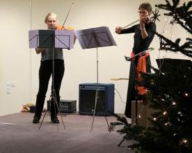 einem Violinenduett...