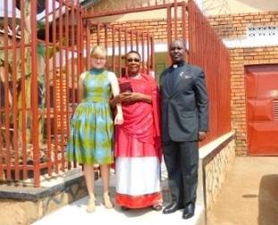 Schülerzeitung AG - Diavortrag Jenny Emrich 'Uganda in Bildern' [11.6.2018] (4)