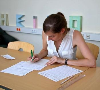 Schülerzeitung AG - Lehrertest Thon_Durchführung [Kun; Mus]