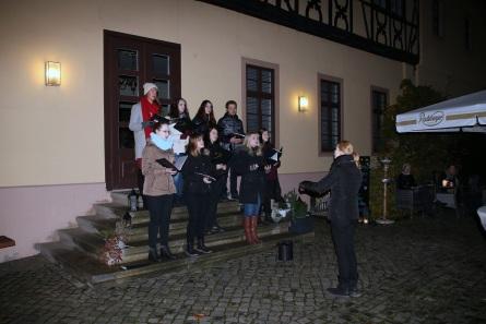 Schülerzeitung AG - Auftritt Oberstufenchor im Restaurant 'Zum Händel' [19.12.2018] (3)